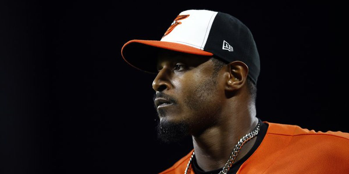 AP source: Adam Jones agrees to 1-year deal with D-Backs