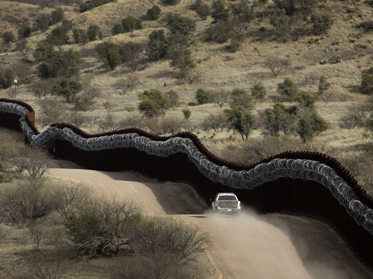Critics in southern Arizona call new border wall contract wasteful, unnecessary