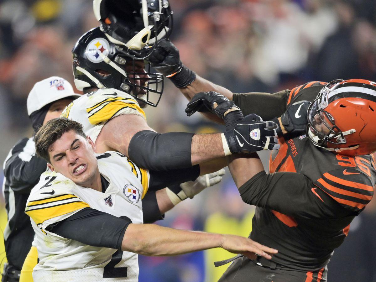 Browns' Garrett suspended for rest of season by NFL for swinging helmet at QB