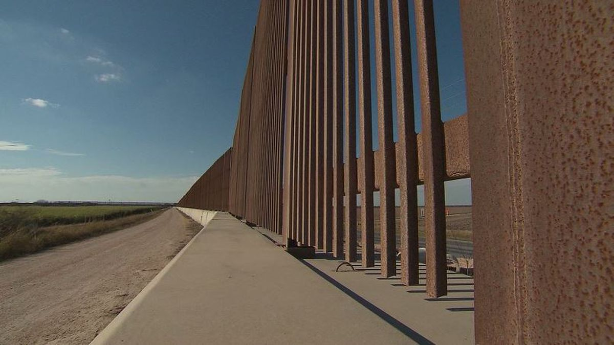 Pentagon diverting $1B in budget for wall construction on Southwest border