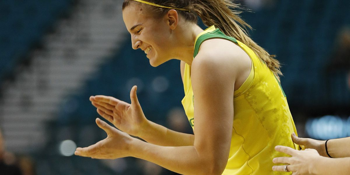 WOMEN: Ionescu leads No. 6 Oregon to 77-63 win over Wildcats