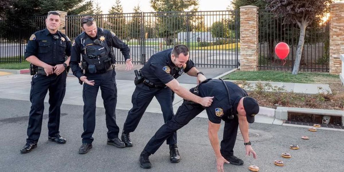Pennywise lures California officers in funny viral photo