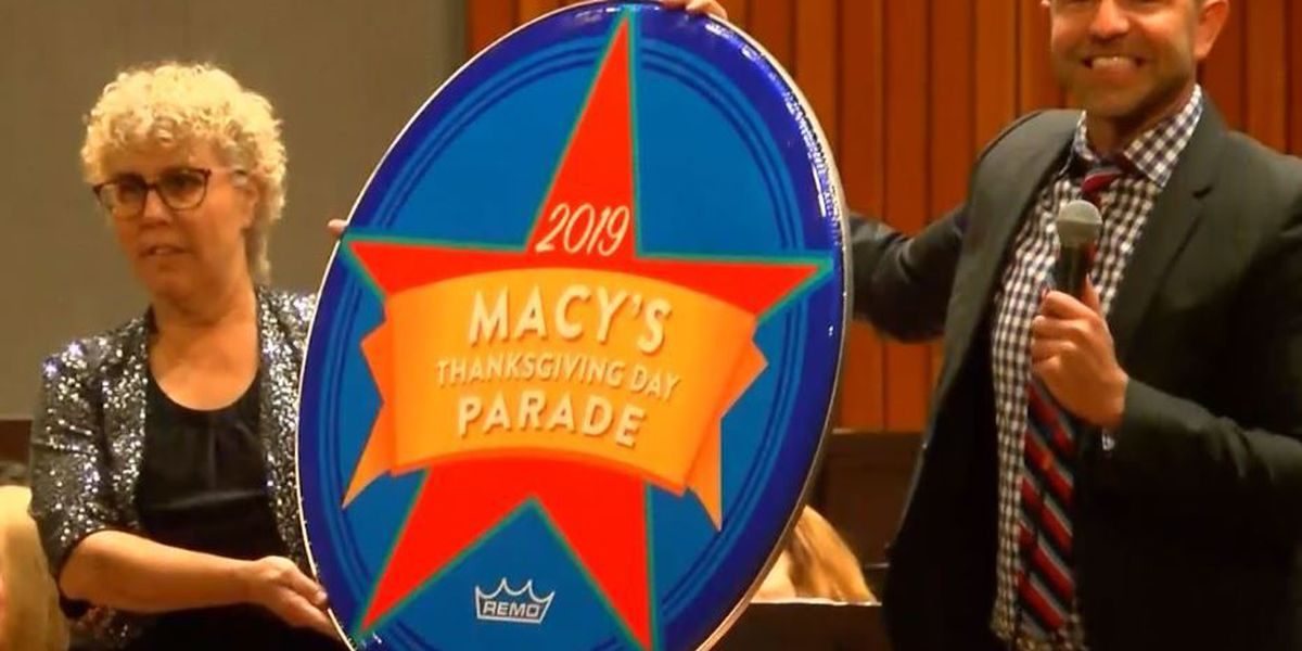Catalina Foothills H.S. marching band heading to Macy's Thanksgiving Parade in 2019