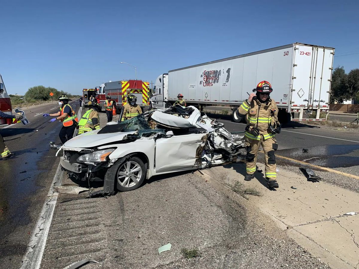 UPDATE: One dead in crash on Interstate 19, roadway back open following investigation