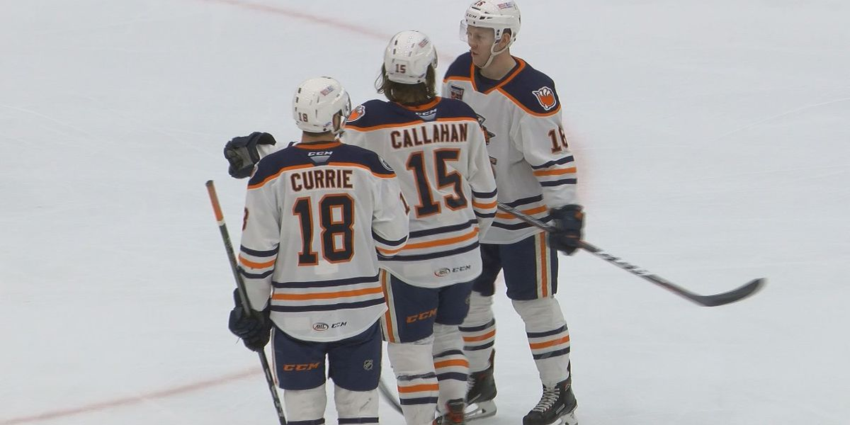 Condors beat Roadrunners for 8th straight win