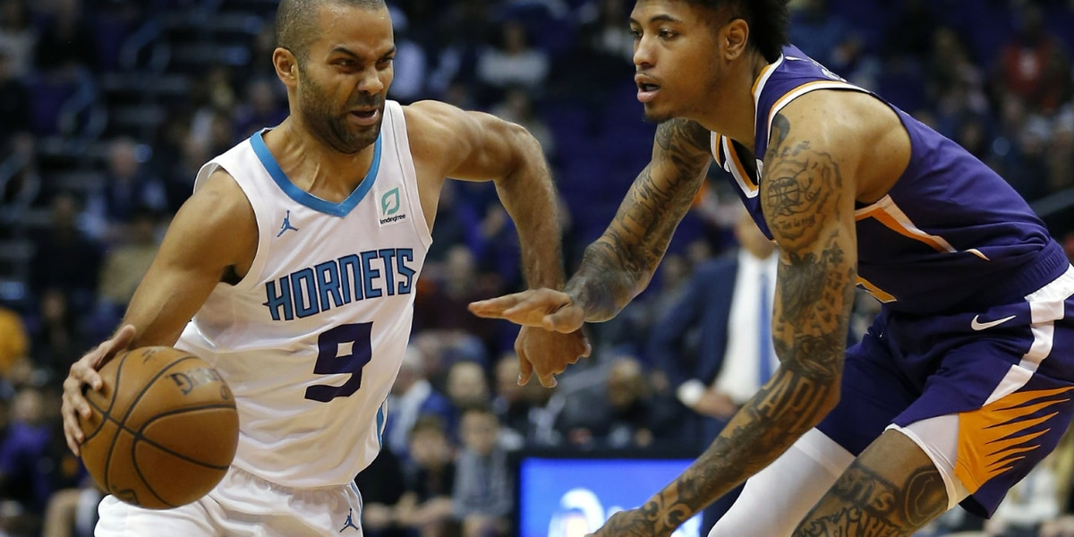 Walker's big finish gives Hornets win over Suns