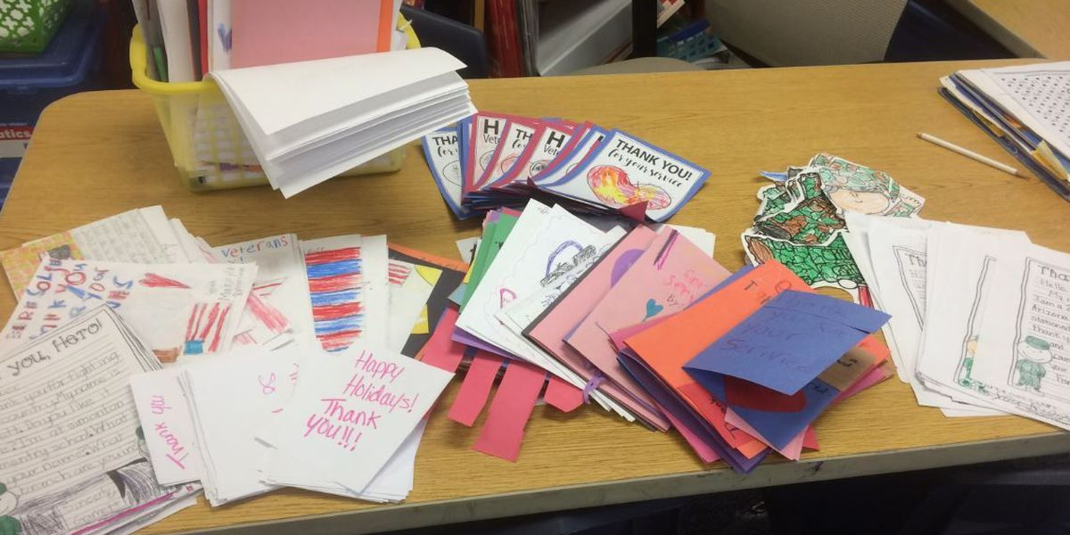 Simonton Elementary collects letters for troops overseas