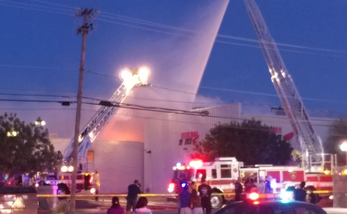 Gas Prices Tucson >> Tucson Fire: Brush fire quickly turns to building fire due ...