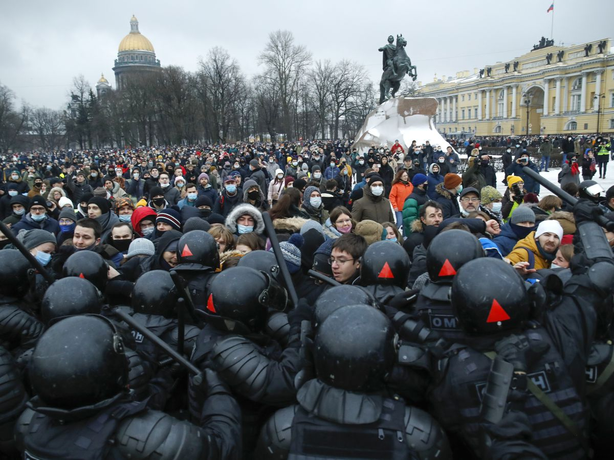 2,600 arrested at protests demanding Navalny's release