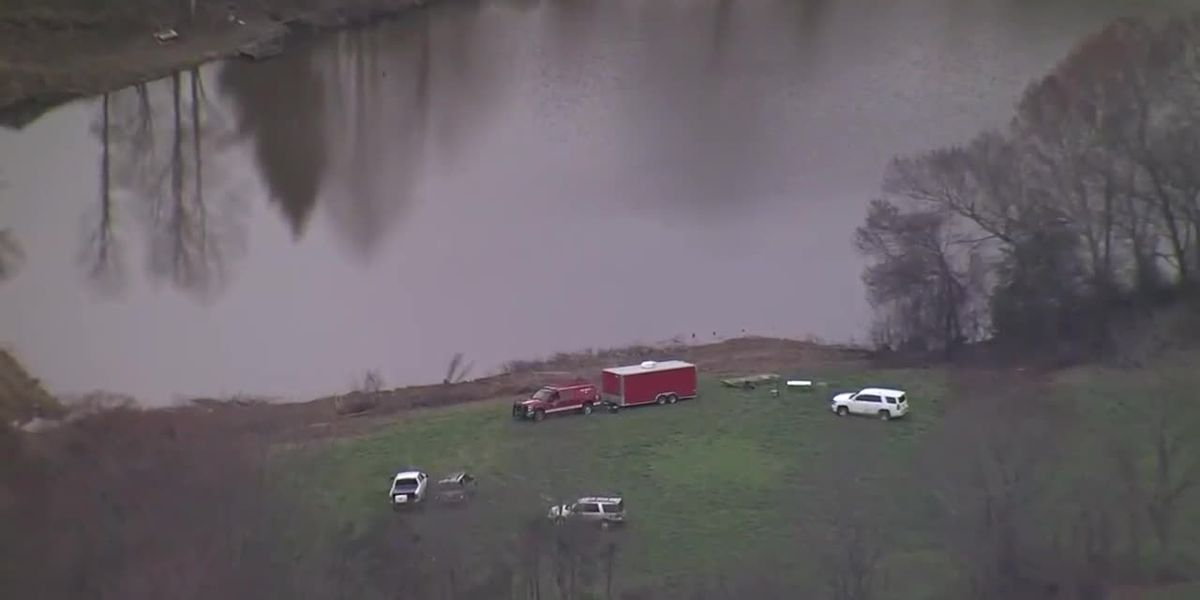 Aerial video of North Carolina pond search for missing Tennessee toddler (via WBTV)