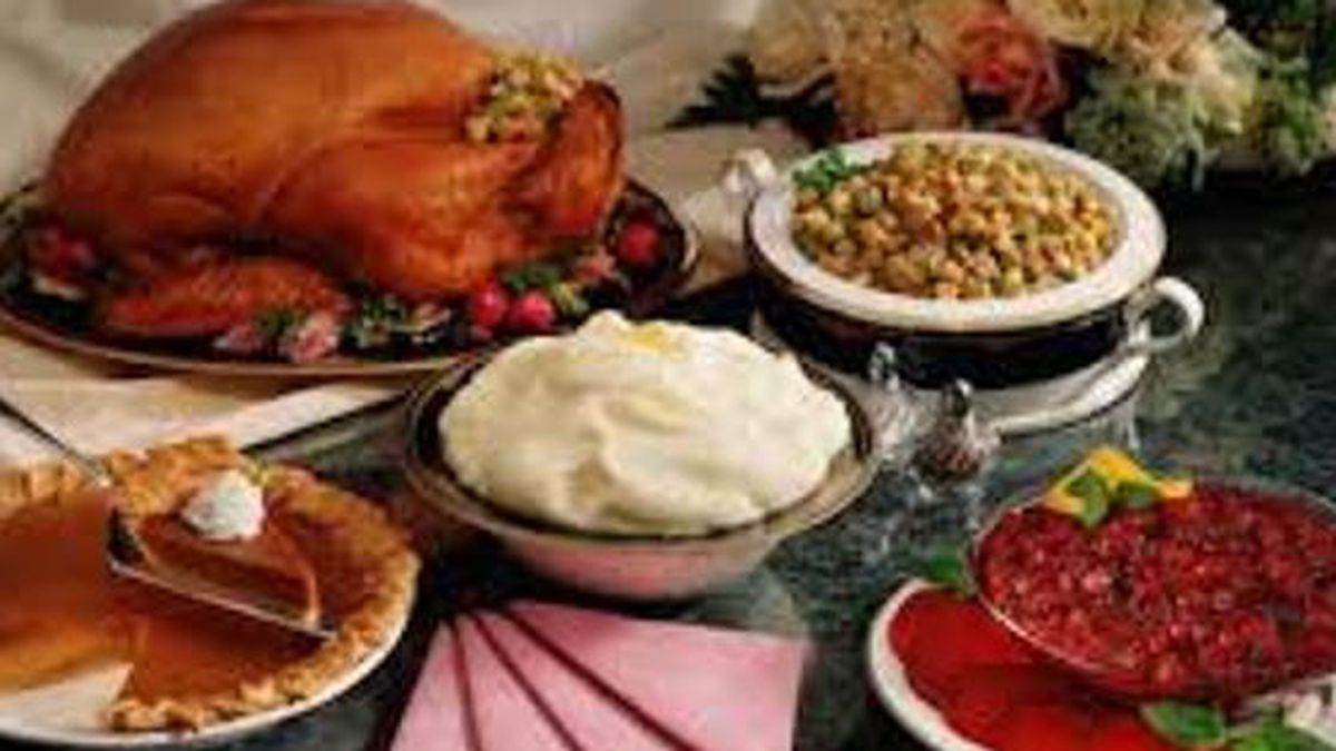 Brooke's Bargains compares pre-made Thanksgiving dinner prices