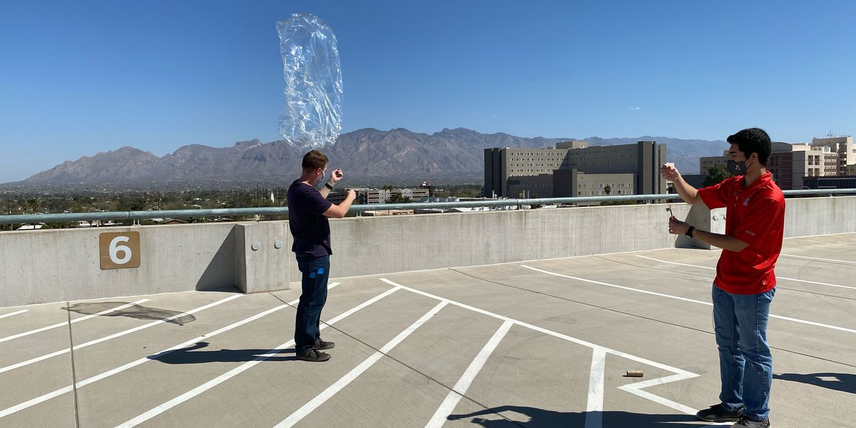 With eye on outer space, University of Arizona researchers test globetrotting balloons