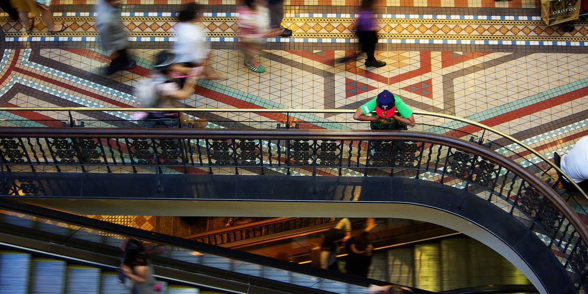 Safety tips for shopping during the holiday season