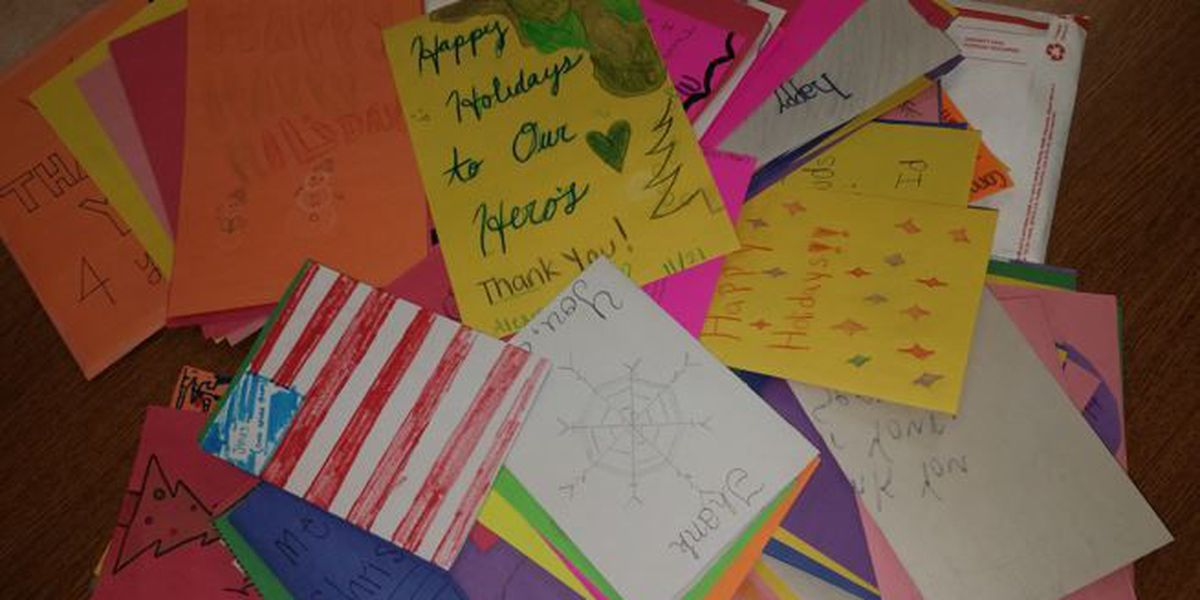 Combs High School makes holiday cards for troops