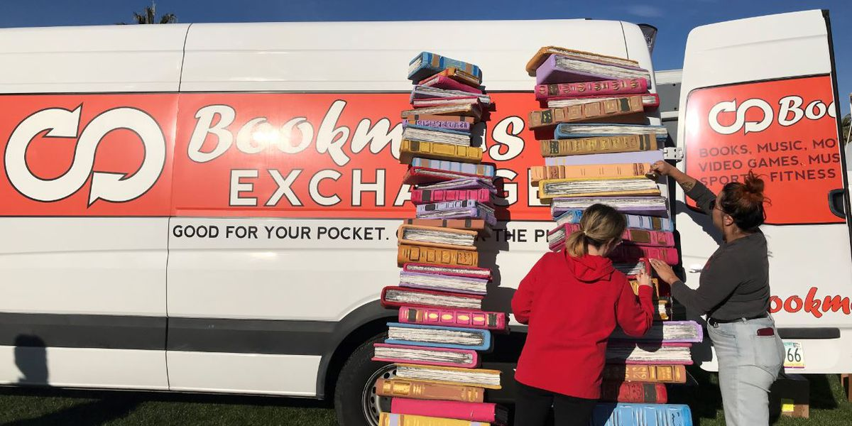 Festival of Books takes over UA campus