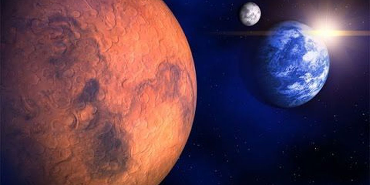 No, Mars is not going to look as big as the moon