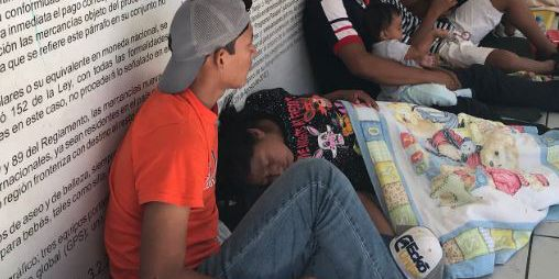 New surge of asylum seekers arrive at Nogales port