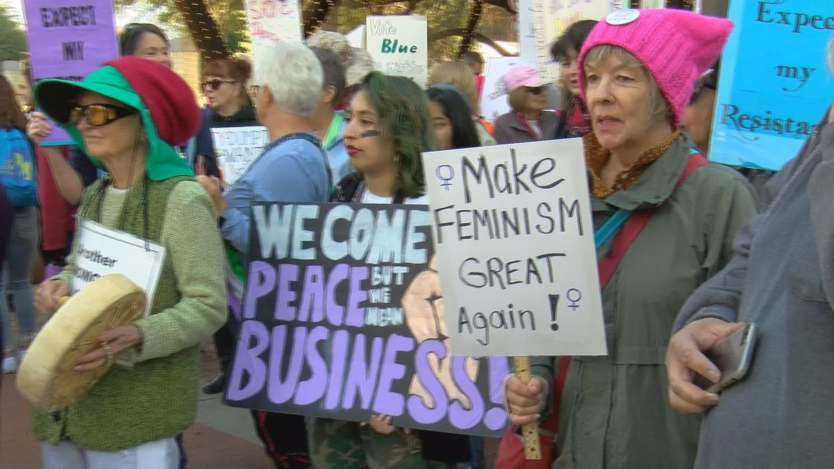 Crowds take to downtown for annual Women's March