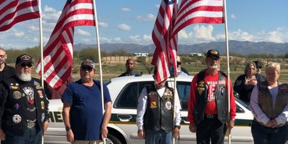 Strangers come together to honor veteran at funeral, after weather strands family in Ohio