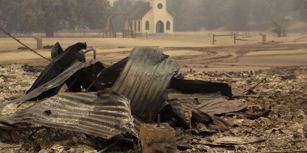 Wildfire torches famed movie site, sends celebrities fleeing