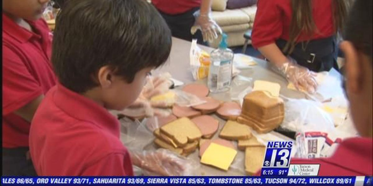 Children help feed homeless with 'Sandwiches for Solidarity'