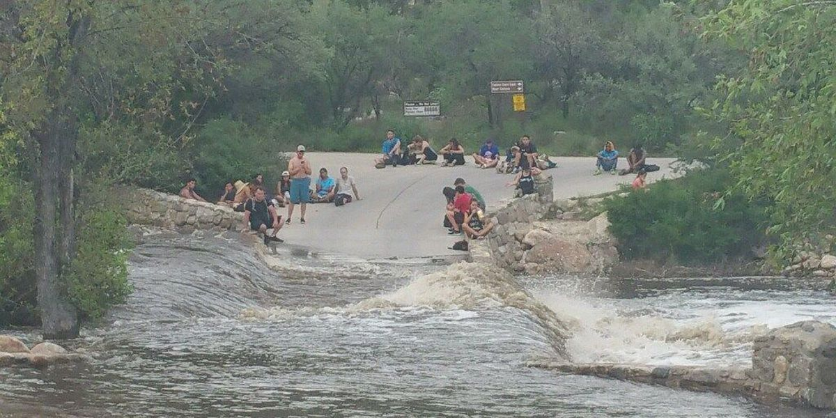 26 rescued from flash flooding at Sabino Canyon
