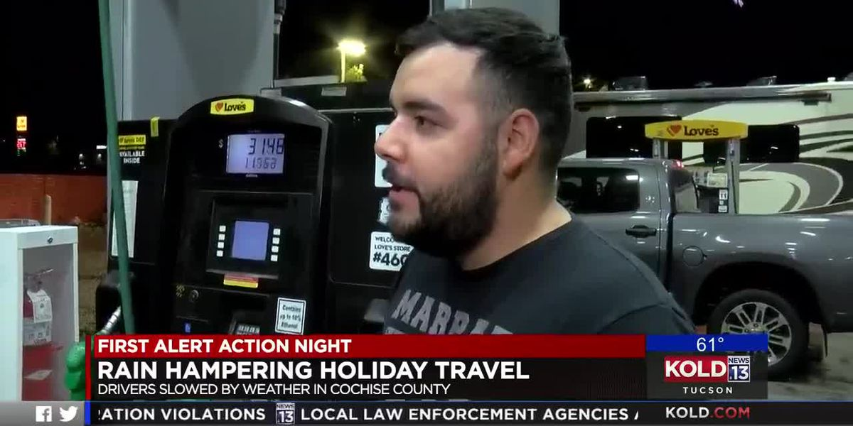 Thanksgiving travelers stay wary of rainy weather