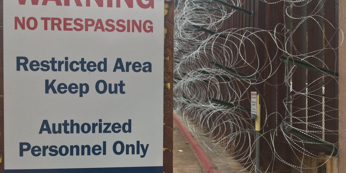 Nogales mayor disapproves of razor wire along border fence