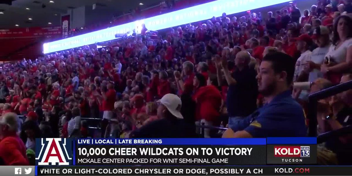 10,000 cheer Wildcats on to victory