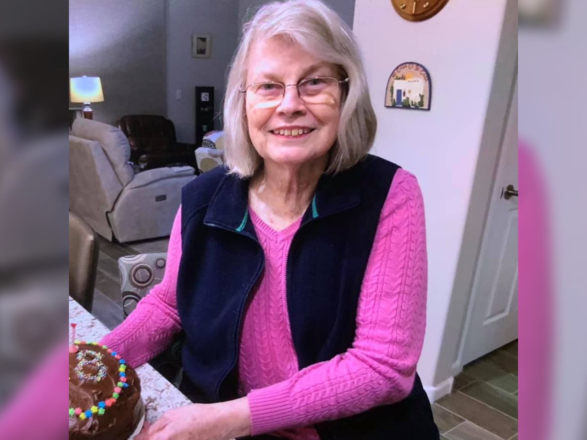 Officials reunite missing Oro Valley woman with family