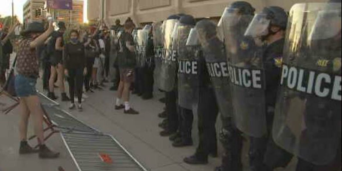 8 arrested at Phoenix protest honoring Michael Brown