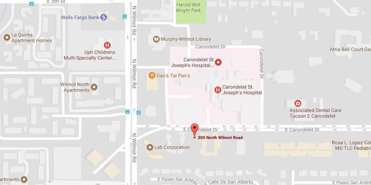 Hombre herido por tiroteo cerca del hospital al lado este
