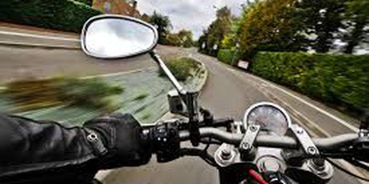 Ley permitiría que motociclistas de Arizona conduzcan entre carriles
