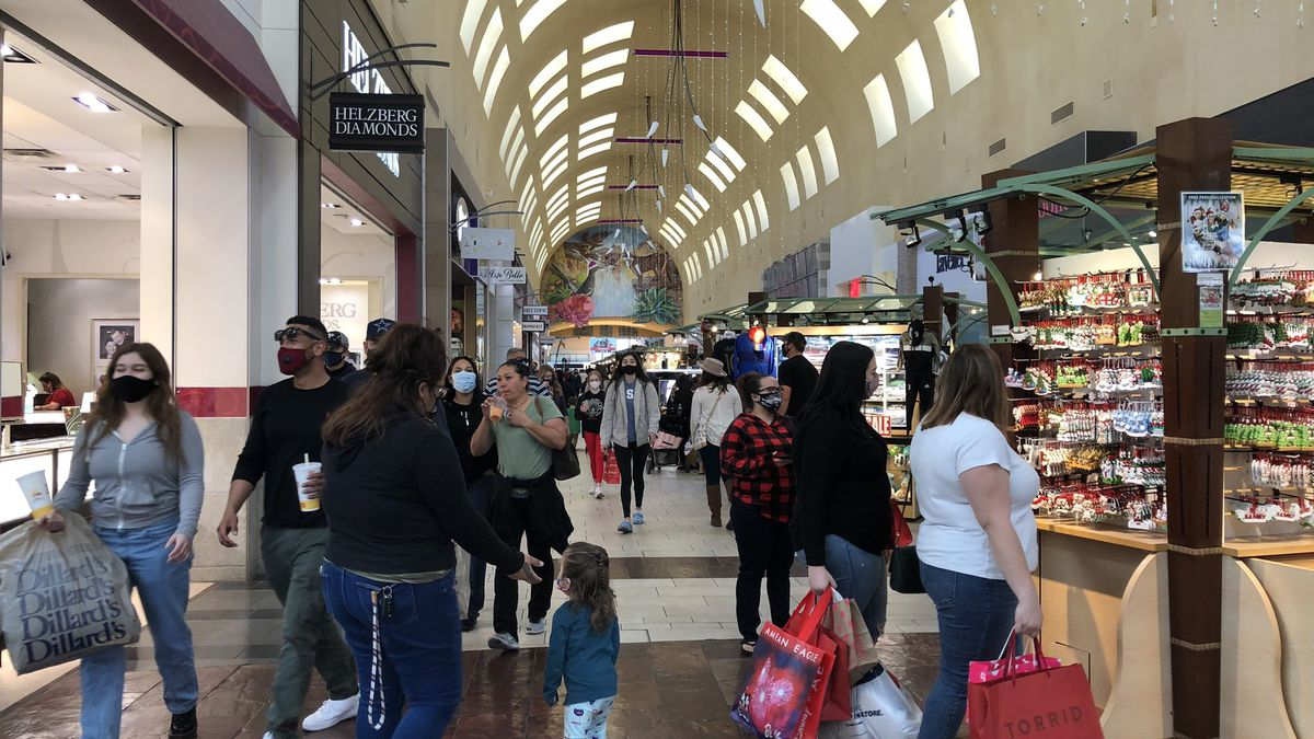 Shoppers go out Black Friday amid COVID-19