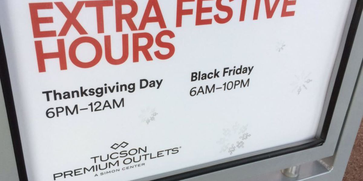 Thanksgiving shoppers calm, comfortable hunting for deals