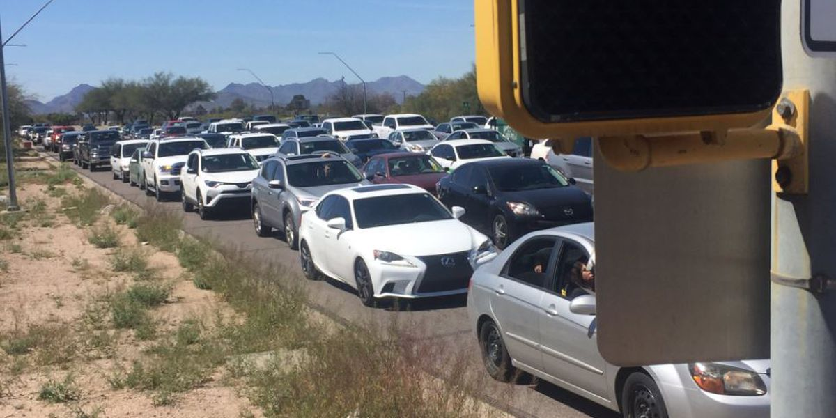TPD: Air show visitors causing major traffic back up around Davis-Monthan