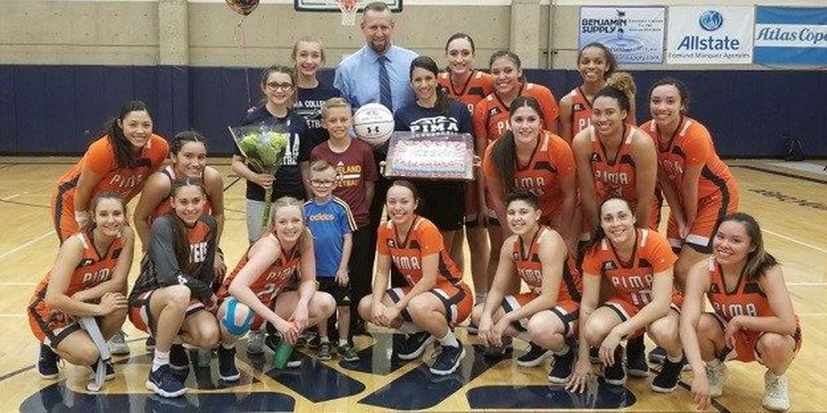WOMEN: Aztecs hand Holthaus his 400th career win
