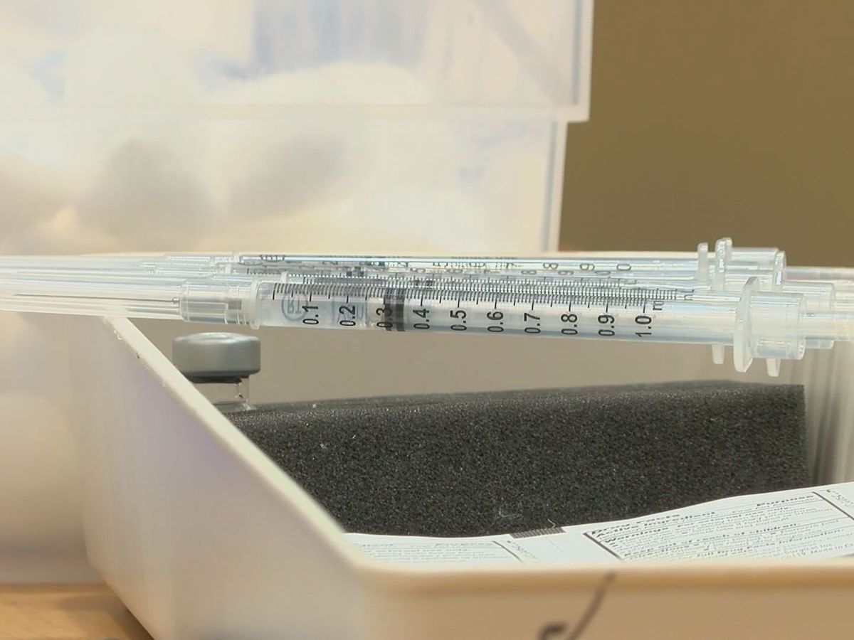 COVID-19 vaccine doses tossed around state, low amounts in Pima County