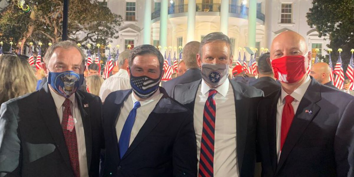 Gov. Ducey pushes masks but goes without in big crowd