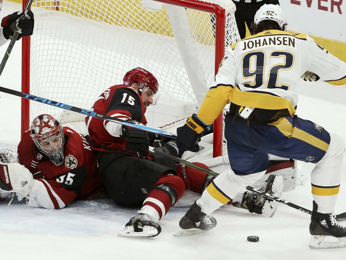 Kuemper, Coyotes hold on for 2-1 win over Predators