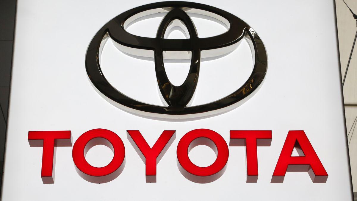 Toyota adds 361K older vehicles to Takata air bag inflator recall