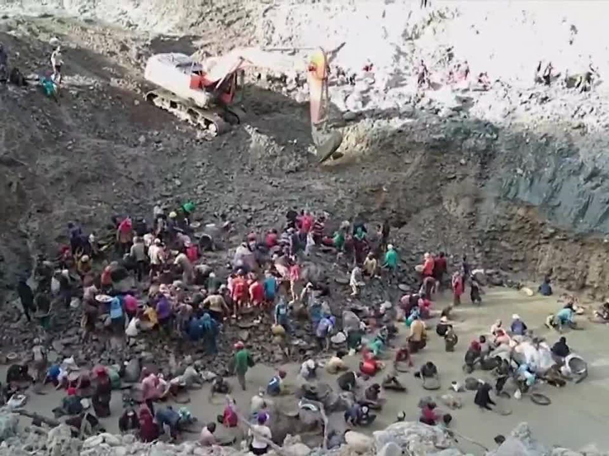 Illegal gold mine collpases in Indonesia, 3 bodies recovered so far