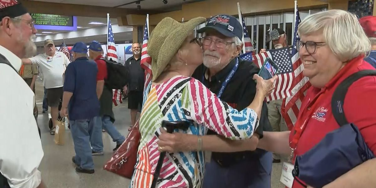 Welcome Home: Veterans return to Tucson after Honor Flight