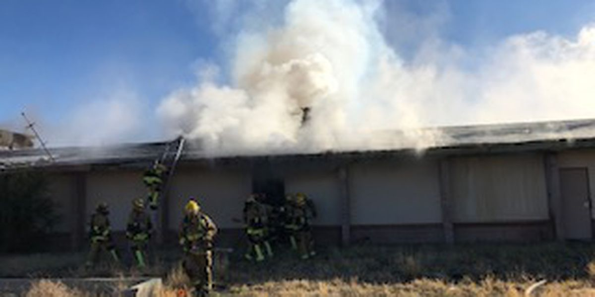 TFD extinguishes fire in vacant south-side school building