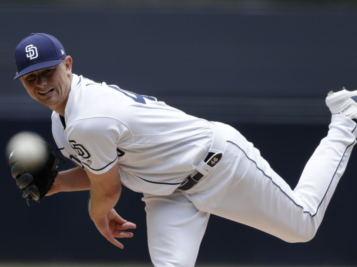 Lauer throws 7 impressive innings, Padres beat D'backs 5-2