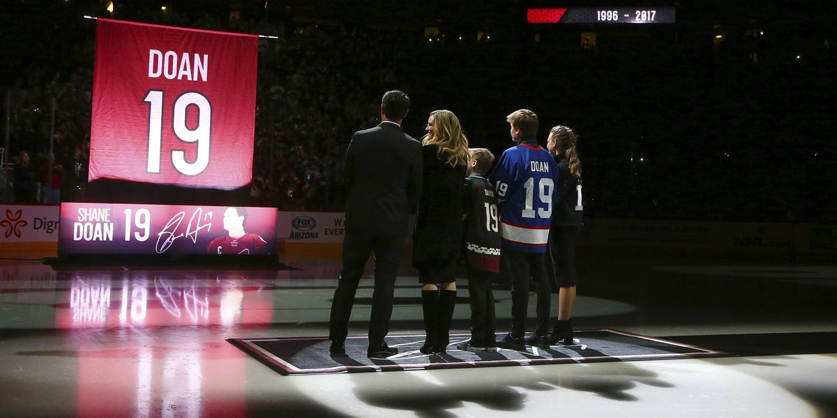 Coyotes retire Shane Doan's number, beat Jets 4-1