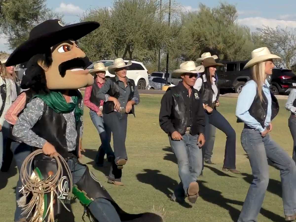 Central Arizona College rodeo team does Git Up Challenge