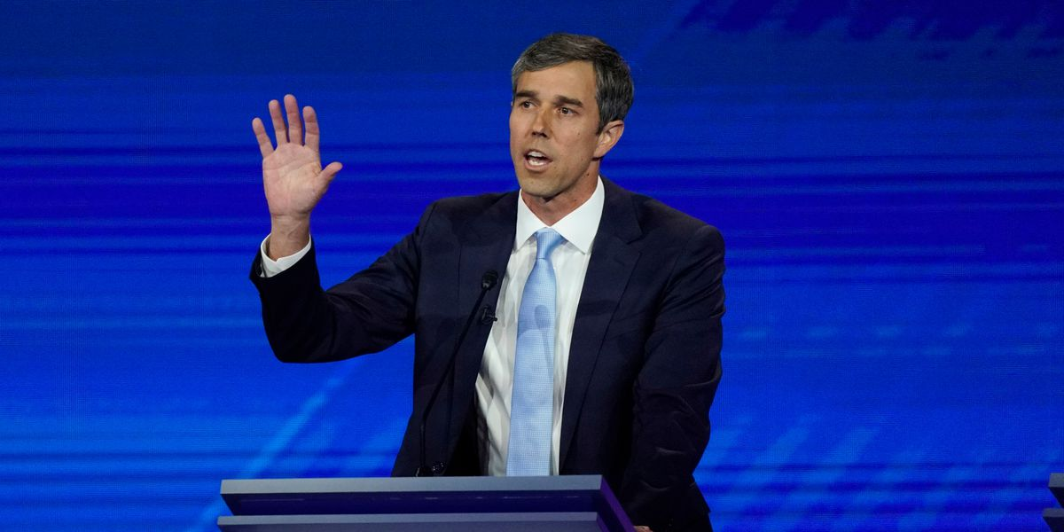 WATCH: Beto O'Rourke hosts town hall near the University of Arizona