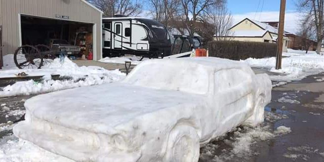 Family builds lifelike Ford Mustang out of snow: Trooper gives it ticket