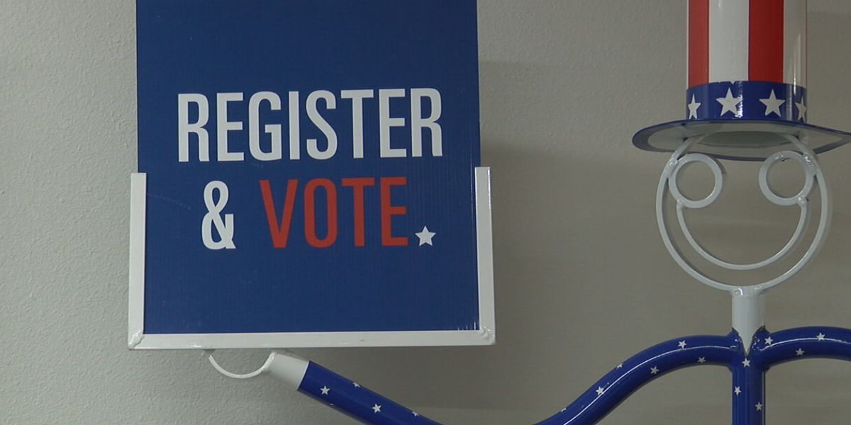 Advocates rush to register voters after judge extends deadline 18 days